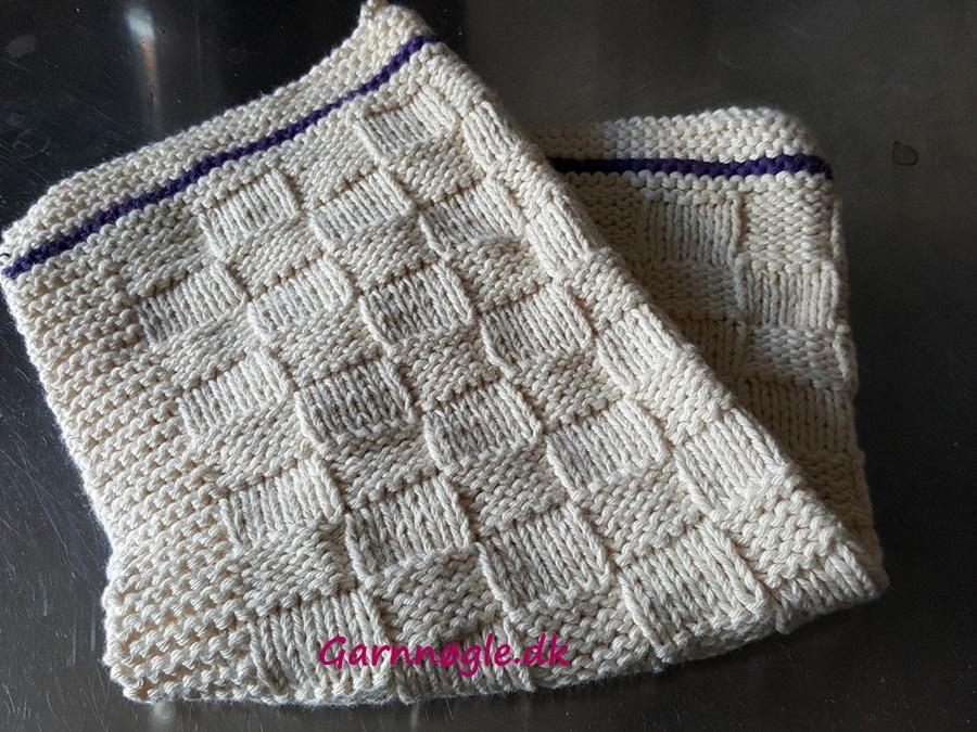 Photo of Strikket gæstehåndklæde